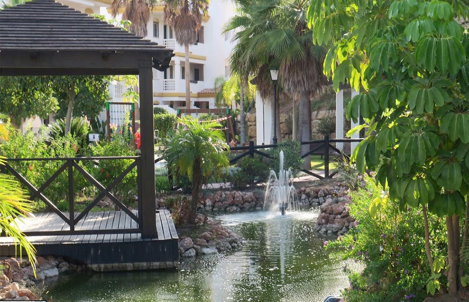 Jardinería de Urbanización Calanova Gran Golf, Mijas, Málaga